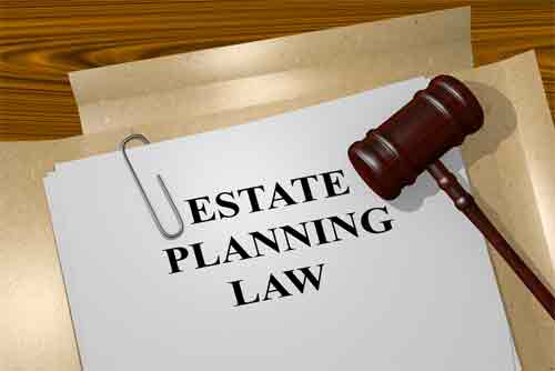 What are the basic facts regarding real estate and estate planning lawyers